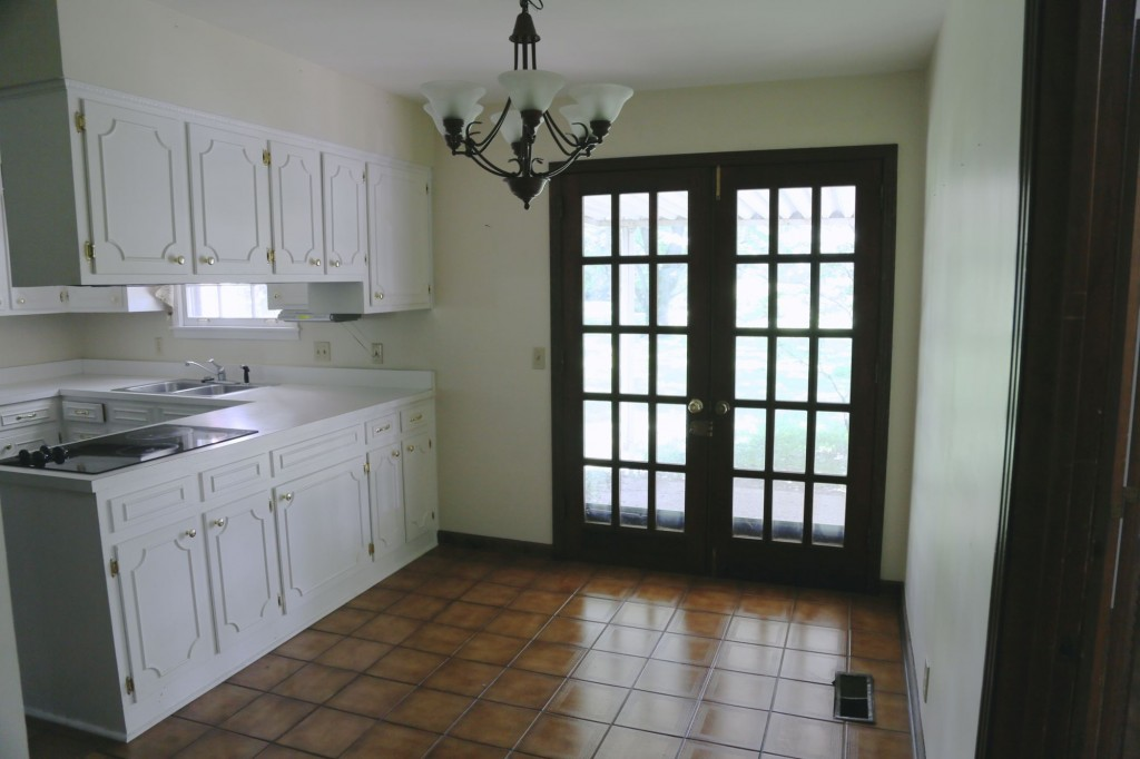 This is the best view of the brown tiles.  They are a bit at odds with the aesthetic of the rest of the house. There has been a lot of talk among friends of extending the kitchen to take in the nook.